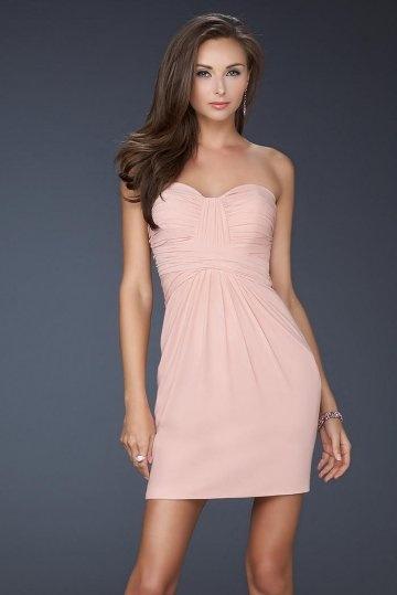 Petite robe rose empire sexy en mousseline dos découpé