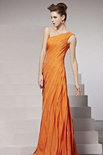 Robe orange asymetrique plissée en mousseline.jpg