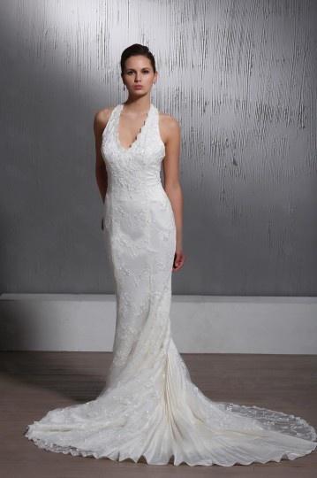 Robe de mariée dentelle Sirène Trompette à col américain à traîne Chapel.jpg