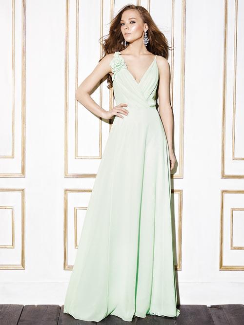 robe-soiee-avec-fleur.jpg