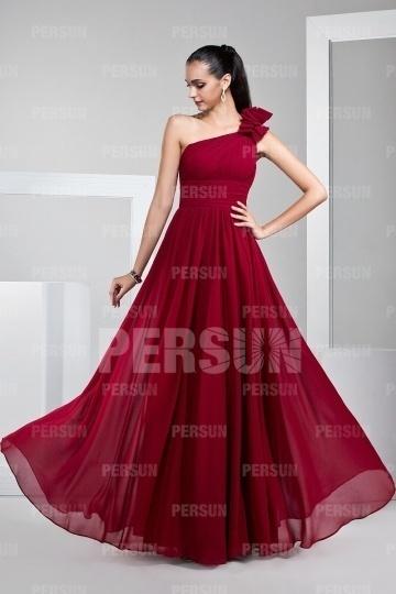Robe mariage rouge empire et asymétrique longue sol.jpg