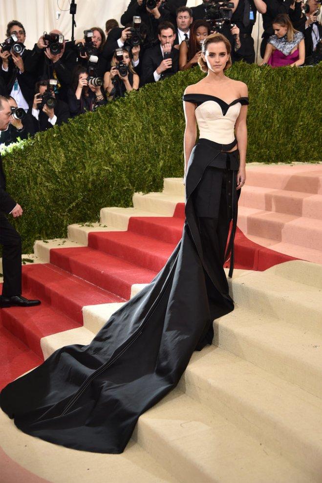 Emma Watson robe fabriquée en plastique recyclée