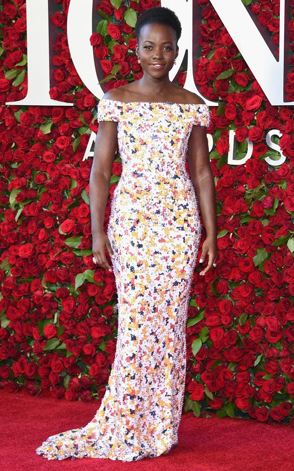 Lupita-Nyong'o-dans-robe-seqiun.jpg