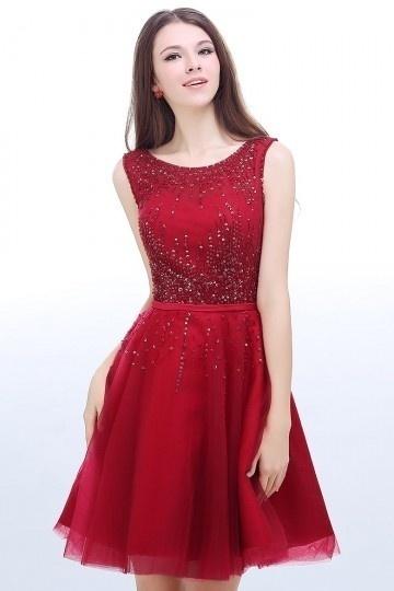 Robe rouge habillée courte encolure ronde dos décolleté en V.jpg
