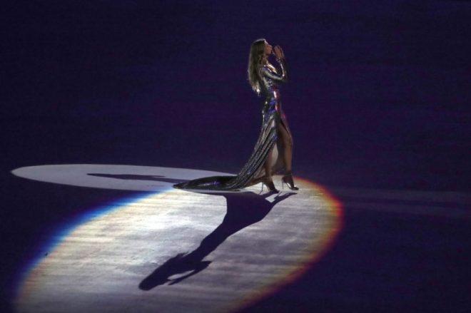 Gisele Bundchen Rio Olympiques cérémonie d'ouverture.jpg