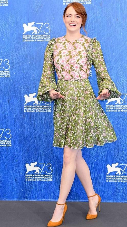 Emma Stone danse 2016.jpg