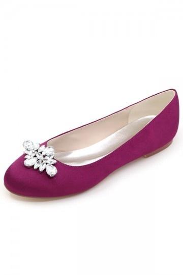 ballerine-violette-simple-dessus-embelli-de-bijoux