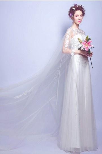 Chic robe de mariée dentelle avec cape 2017.jpg