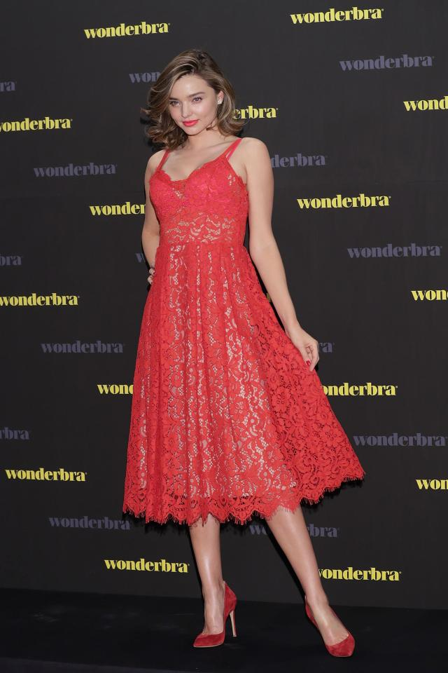Miranda Kerr robe dentelle.jpg