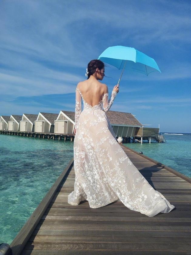 robe mariage de dos nu