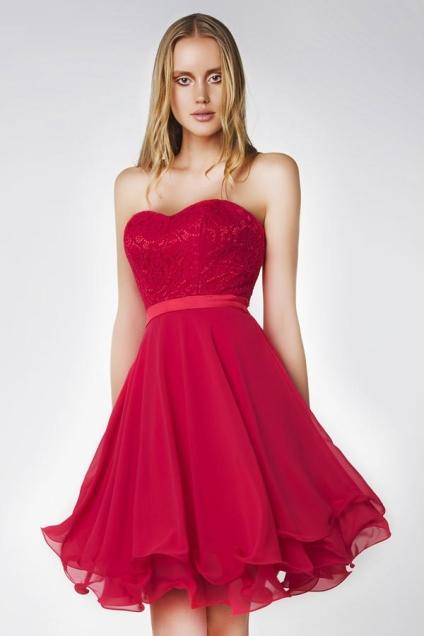 robe-de-soiree-courte-rouge-bustier-coeur-dentelle-ourlet-volant